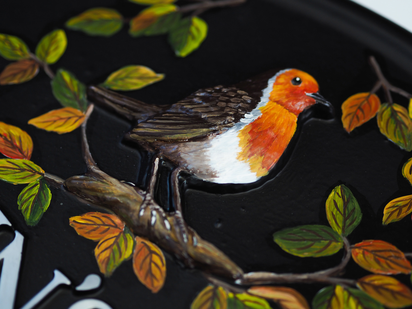 Robin Large & Leaves Close Up house sign